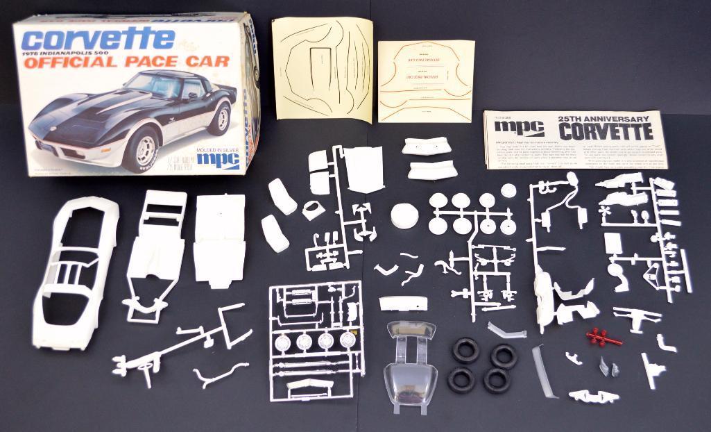 MPC 3708 1977 CHEVY CORVETTE 25TH ANNIVERSARY 1//25 Model Car Mountain KIT FS