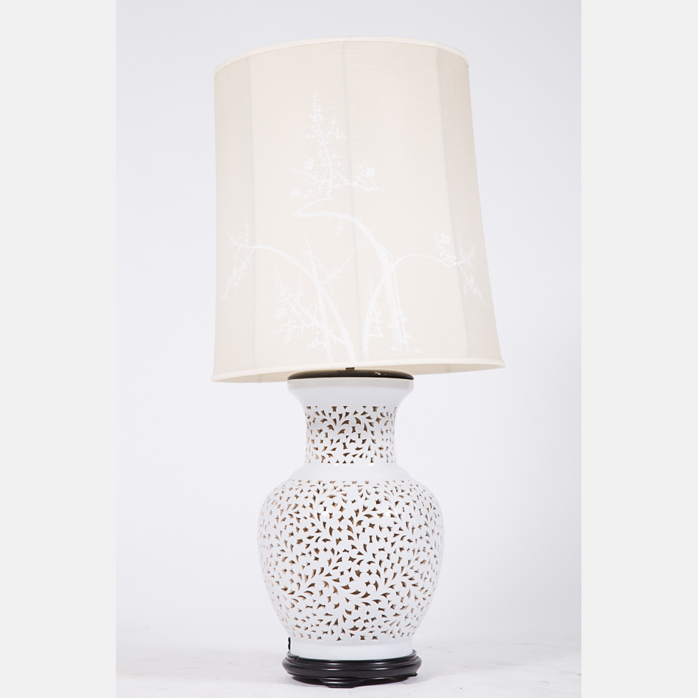 Chinese blanc de chine table lamp lofty marketplace for Table de chine