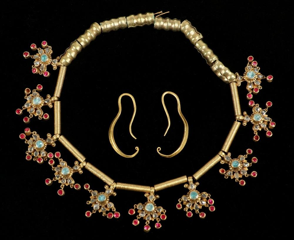 Ancient Chinese Gold Jewelry