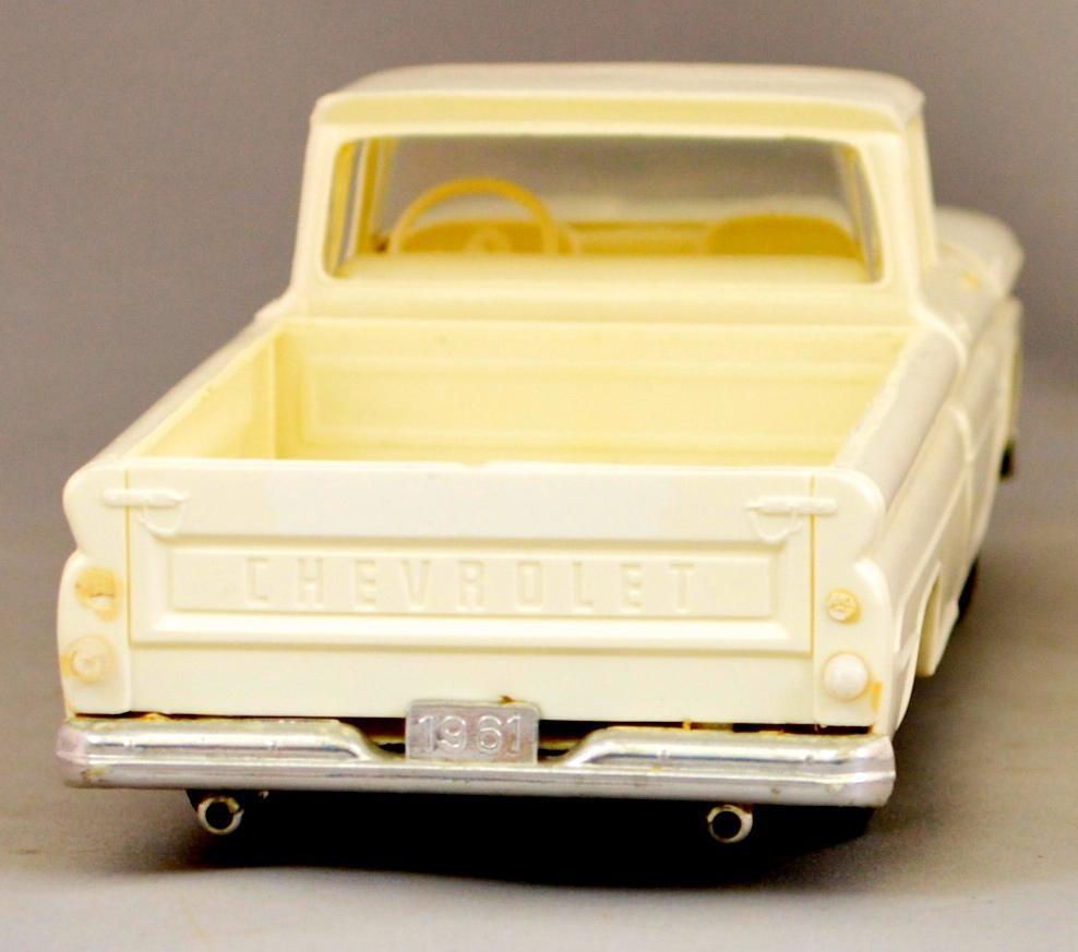 Built Up Smp 1961 Chevy Apache 10 Pickup 1 25 Scale Model Kit Truck