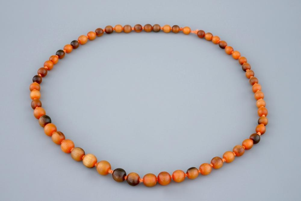 A Chinese rhino horn beads necklace, 19th C. – Lofty Marketplace
