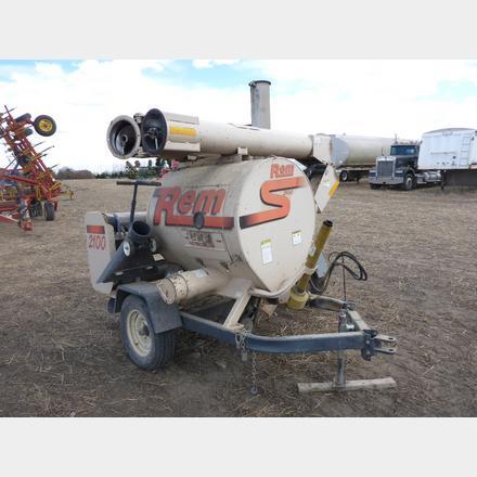 Rem 2100 Grain Vac | Yorkton Auction Centre