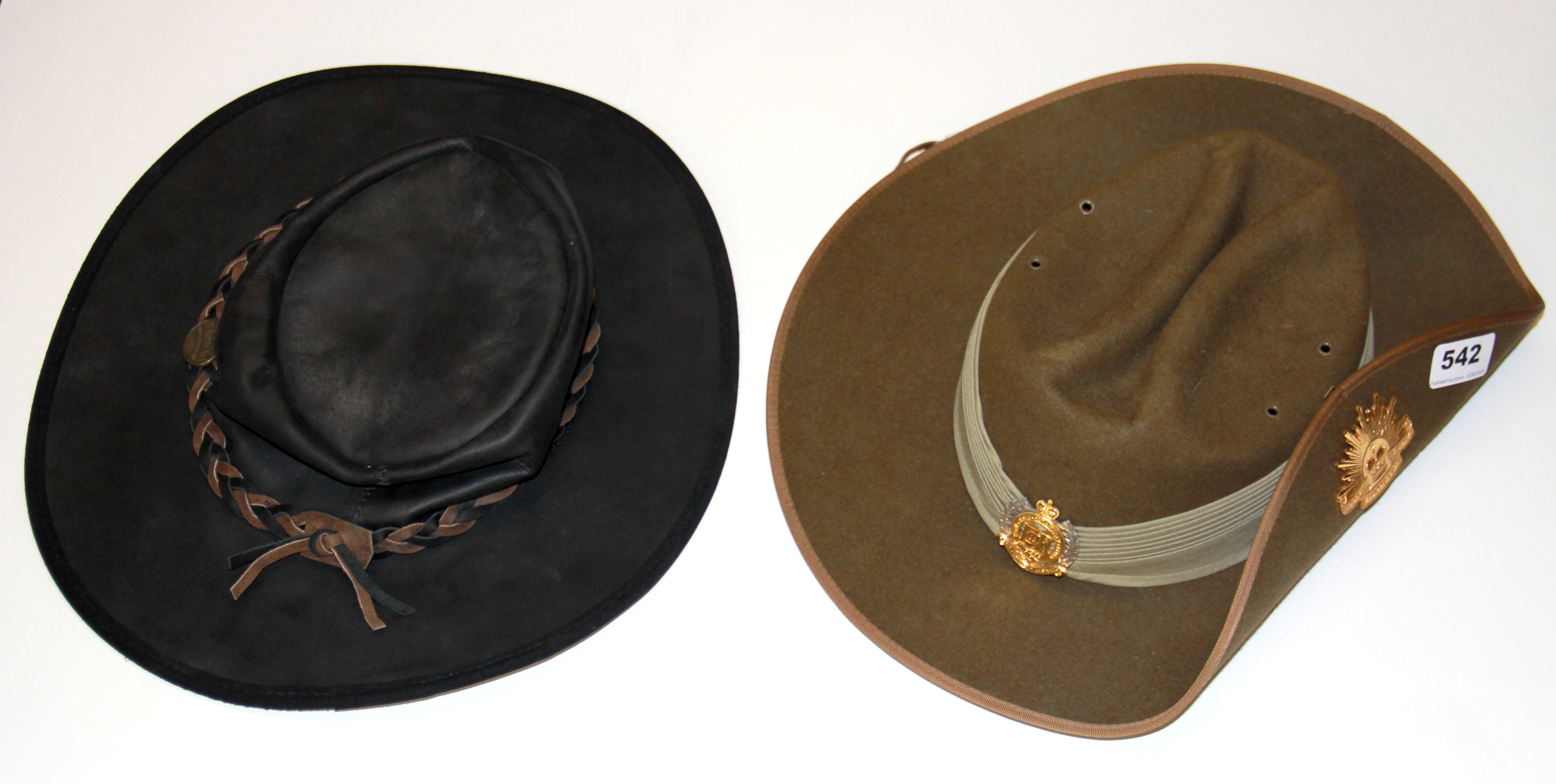 a3afc2b4ab532 An australian army bush hat and an australian barmah collapsible leath  lofty marketplace JPG 1000x504 Australian