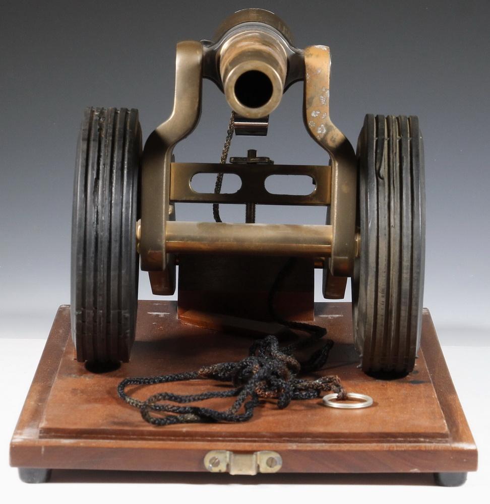 1776 CASED PRESENTATION WINCHESTER SIGNAL CANNON | Thomaston