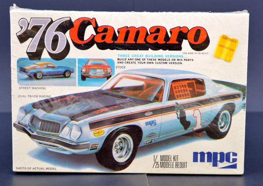Mint MPC 1976 Camaro 1/25 scale model kit 7619