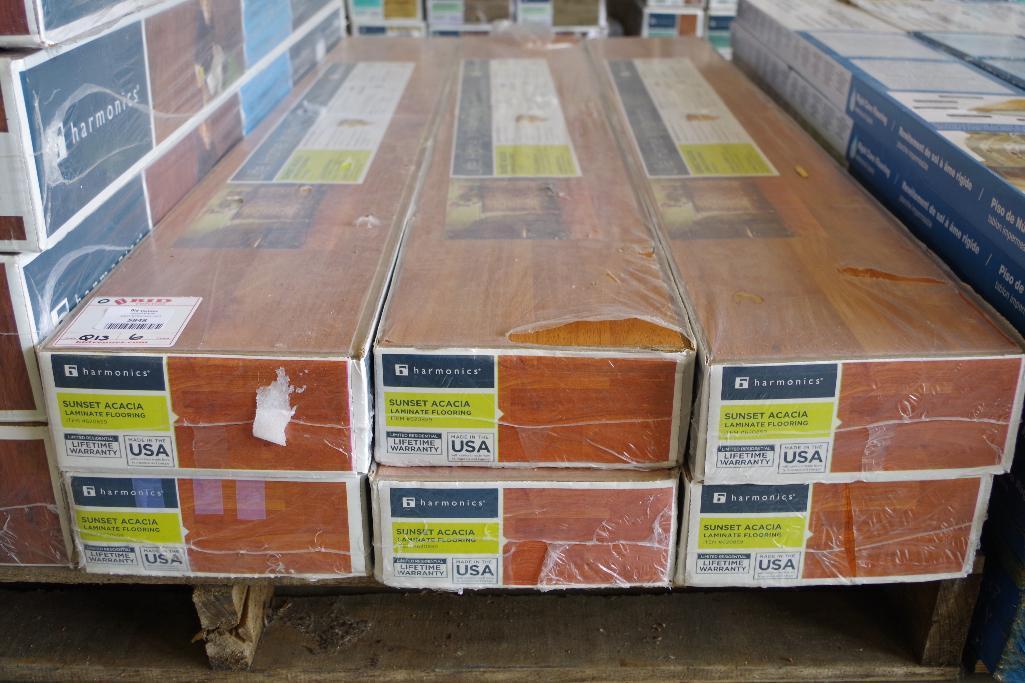 132 Sq Ft Harmonics Sunset Acacia Laminate Flooring 6 Boxes Of 22