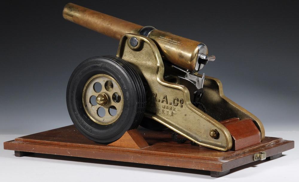 1776 CASED PRESENTATION WINCHESTER SIGNAL CANNON