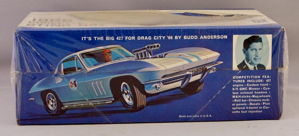 Factory sealed MPC 1966 Stingray Corvette 1/25 scale model kit 5-139