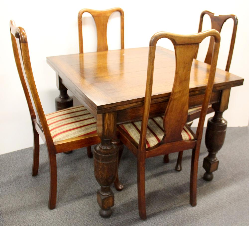 Groovy An Oak Draw Leaf Dining Table And A Set Of Four Queen Anne Style Chairs Dailytribune Chair Design For Home Dailytribuneorg