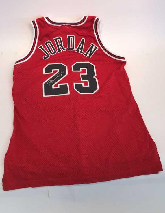 timeless design ca5e0 f5cd9 SIGNED MICHAEL JORDAN OFFICIAL DOUBLE TAG JERSEY