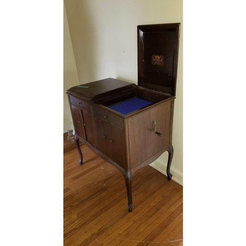 Victrola Cabinet Estate Sales Niagara