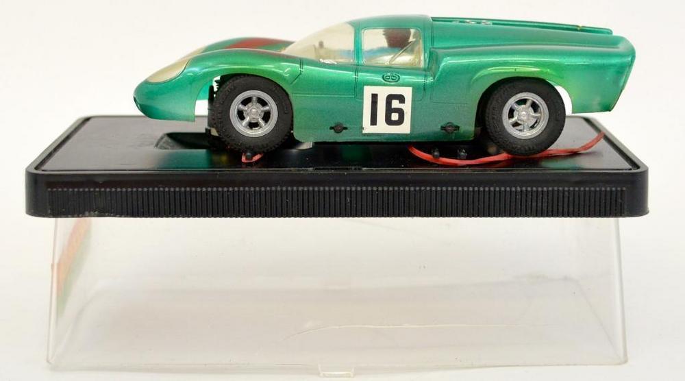 Vintage Carrera 1/32 40461 Lola T-70 slot car in original box