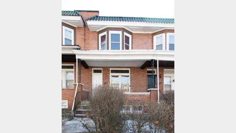 Real estate auction 2531 arunah ave 21216 tenant for Background images in div